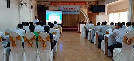 Vĩnh Long: tập huán ứng dụng công nghệ tưới tiết kiệm cho cây trồng