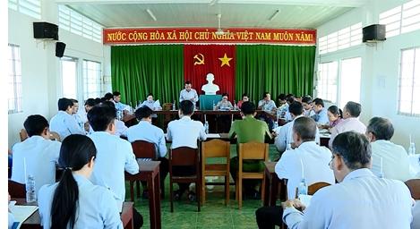 Bình Tân: Tổ chức đoàn khảo sát xây dựng nông  thôn mới tại 10 xã trên địa bàn huyện