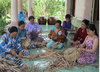 Tam Bình: có 14 làng nghề với 2.874 hộ tham gia